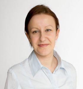 Ilona Rzepka, Psycholog Społeczny, absolwentka Uniwersytetu Humanistospołecznego SWPS oraz Szkoły Treningu i Warsztatu Psychologicznego w Ośrodku INTRA